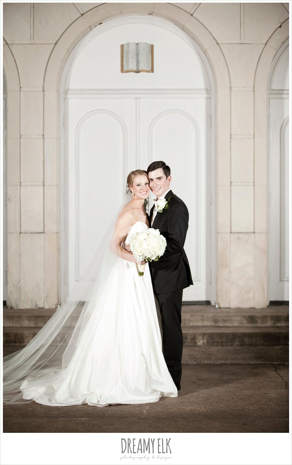 bride and groom, sweetheart strapless wedding dress, winter wedding, austin wedding photographer, dreamy elk photography and design