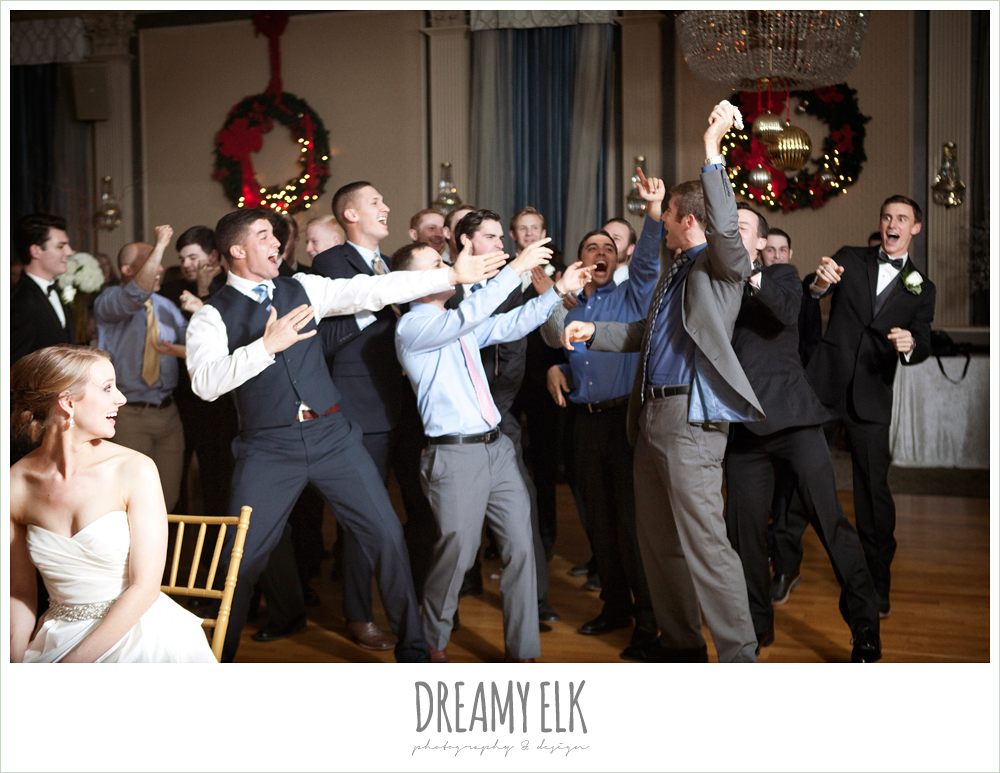 guys catching the garter, reception, winter wedding, austin wedding photographer, dreamy elk photography and design