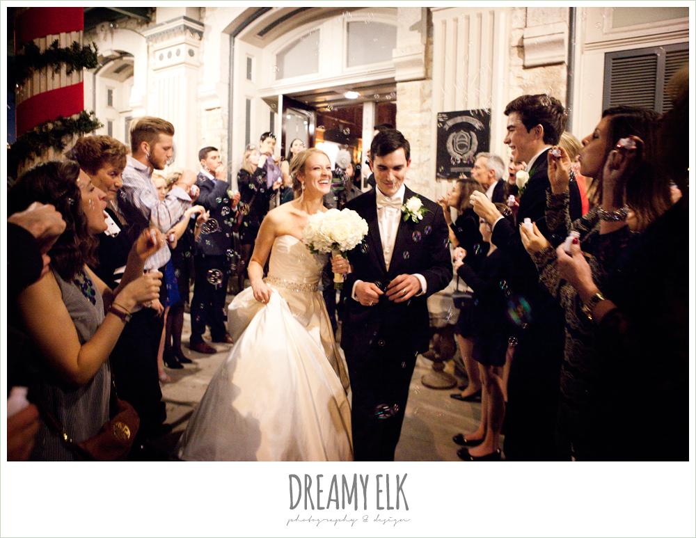 bubble exit, winter wedding, austin wedding photographer, dreamy elk photography and design