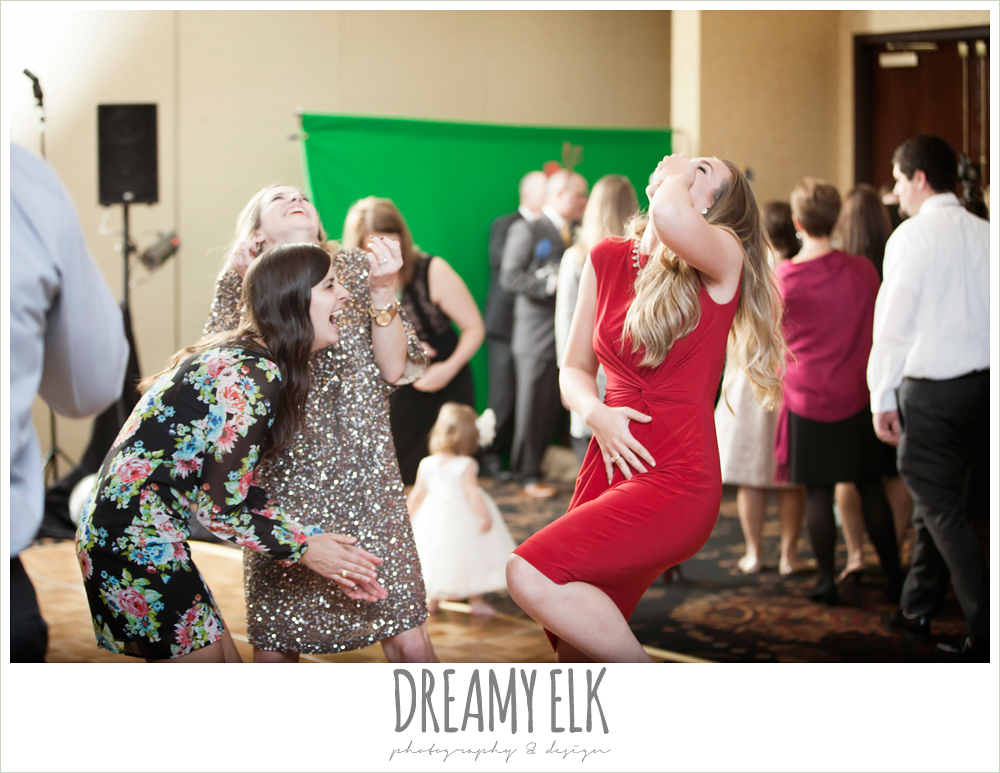 funny wedding photo, christmas wedding {dreamy elk photography and design} photo