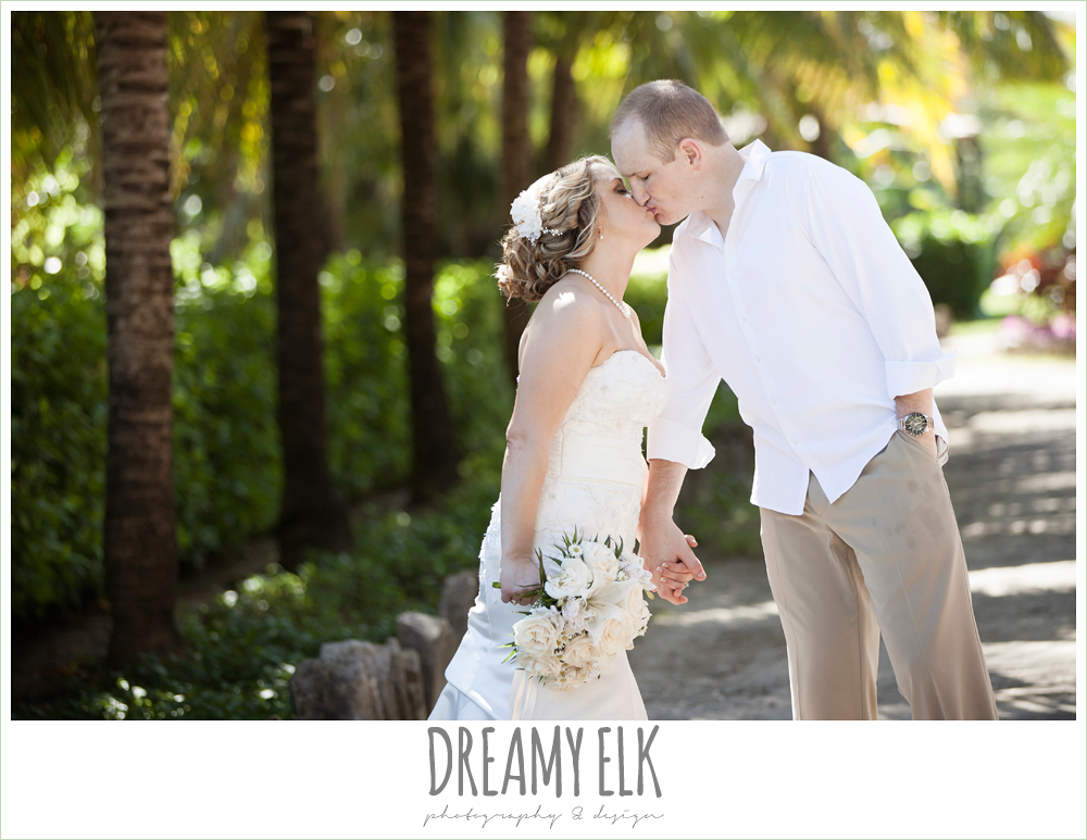 bride and groom kissing, destination wedding, cozumel {dreamy elk photography and design} photo
