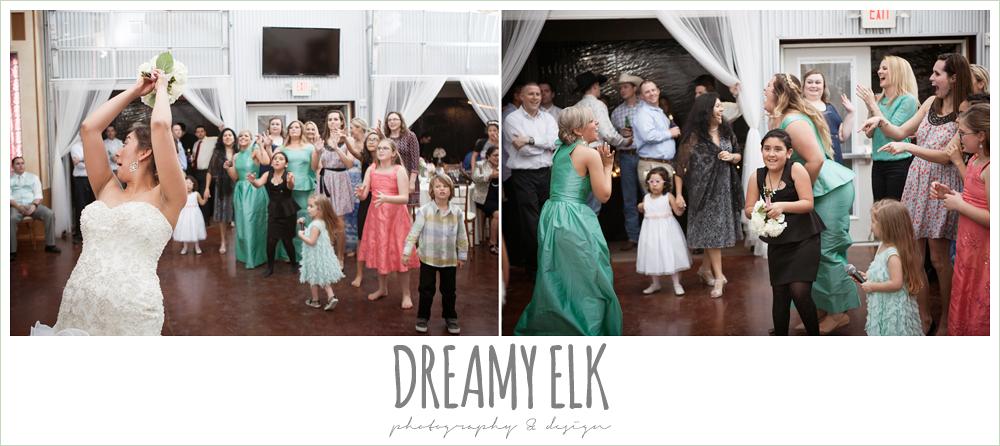 bouquet toss, terradorna wedding venue, austin spring wedding {dreamy elk photography and design}