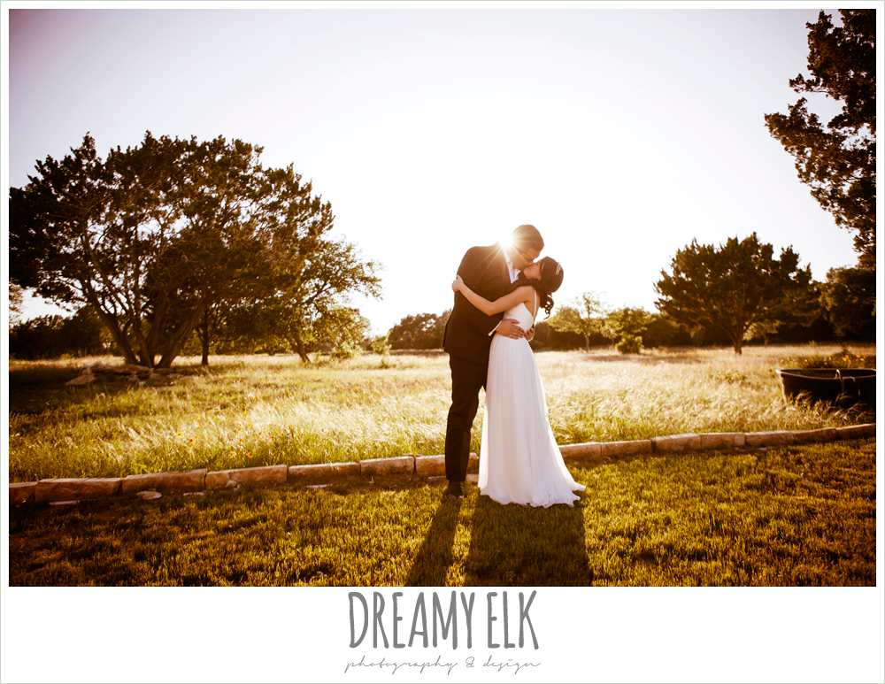 bride and groom sunset photo, la hacienda, dripping springs, texas {dreamy elk photography and design}