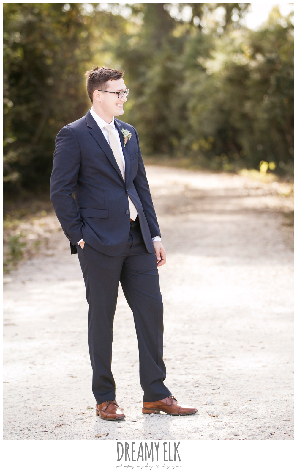 groom in navy suit, rustic chic wedding photo, the amish barn at edge {dreamy elk photography and design}