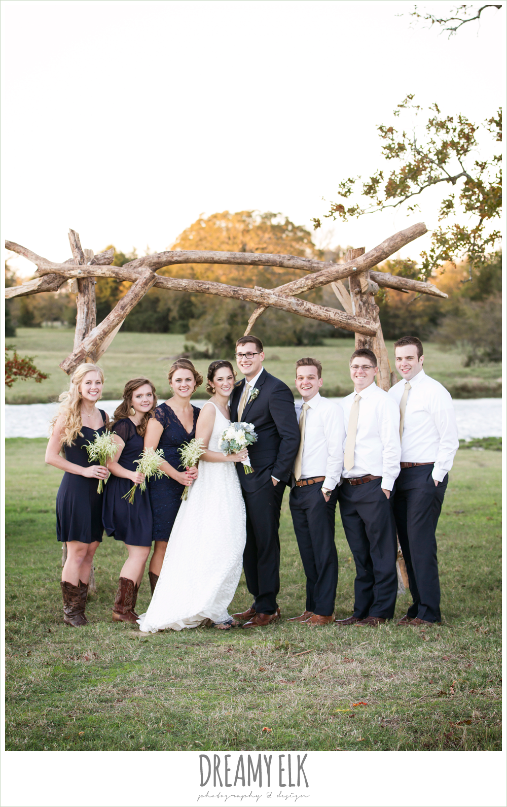 bridal party, rustic chic wedding photo, the amish barn at edge {dreamy elk photography and design}