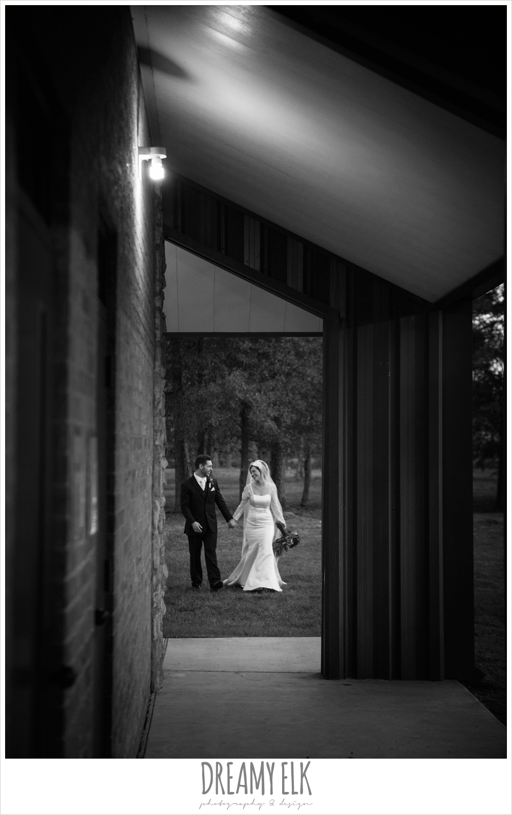 winter december church wedding photo {dreamy elk photography and design}