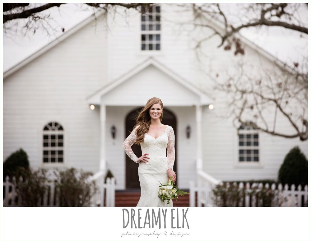 winter december bridal photo, long lace veil, long sleep lace wedding dress, ashelynn manor {dreamy elk photography and design}