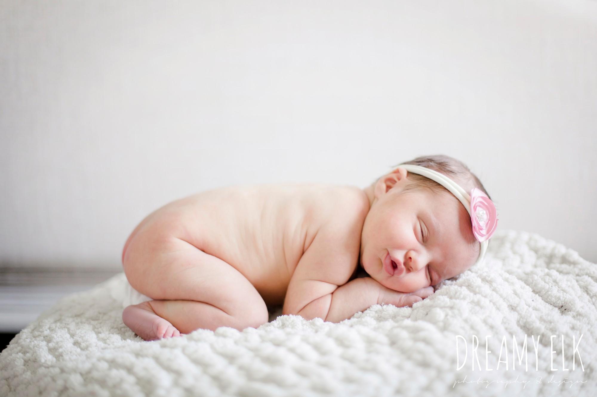 newborn baby girl photo, naked baby