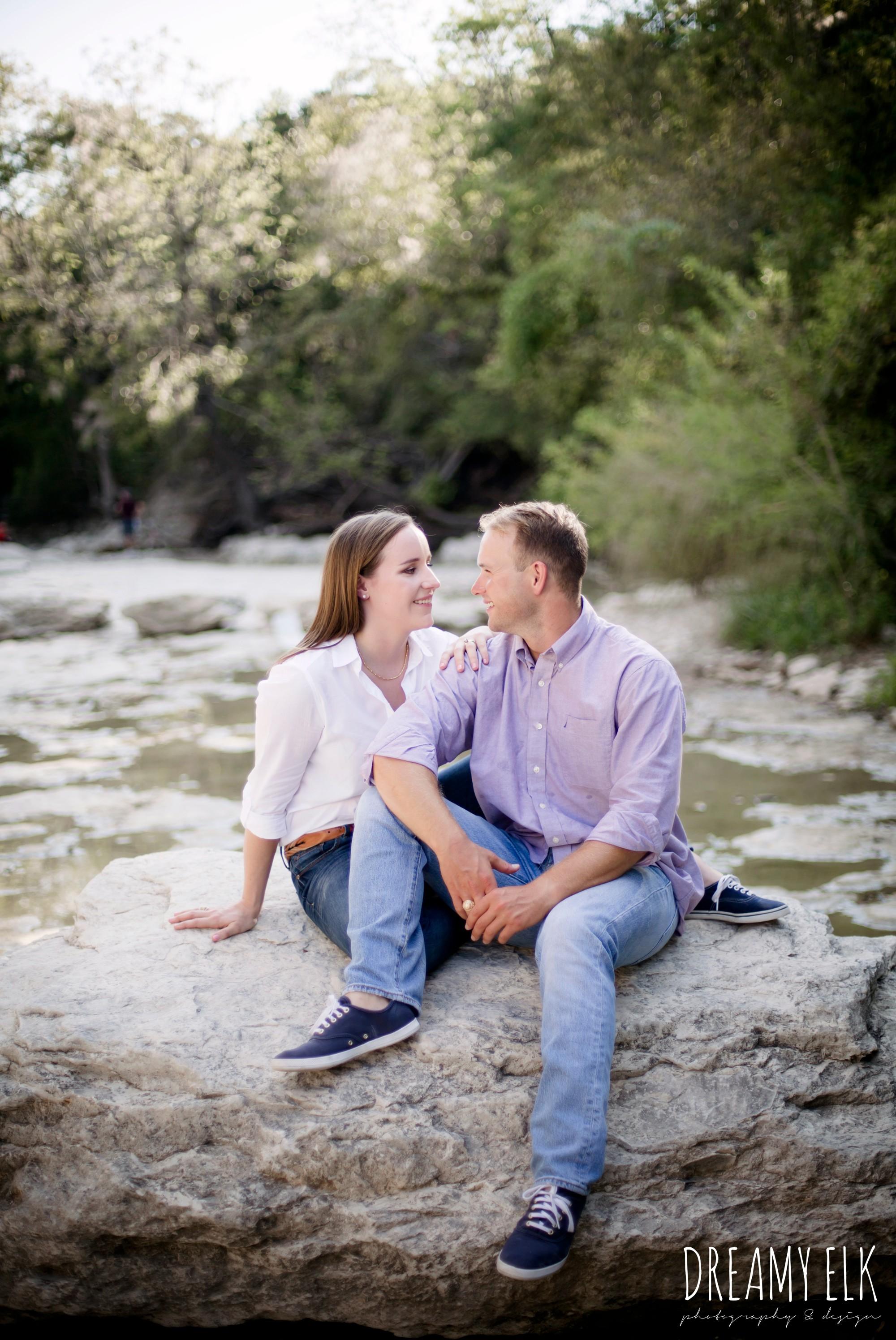 walnut creek park, outdoor september engagement photo, casual wardrobe, austin texas wedding photographer, austin texas parks {dreamy elk photography and design}