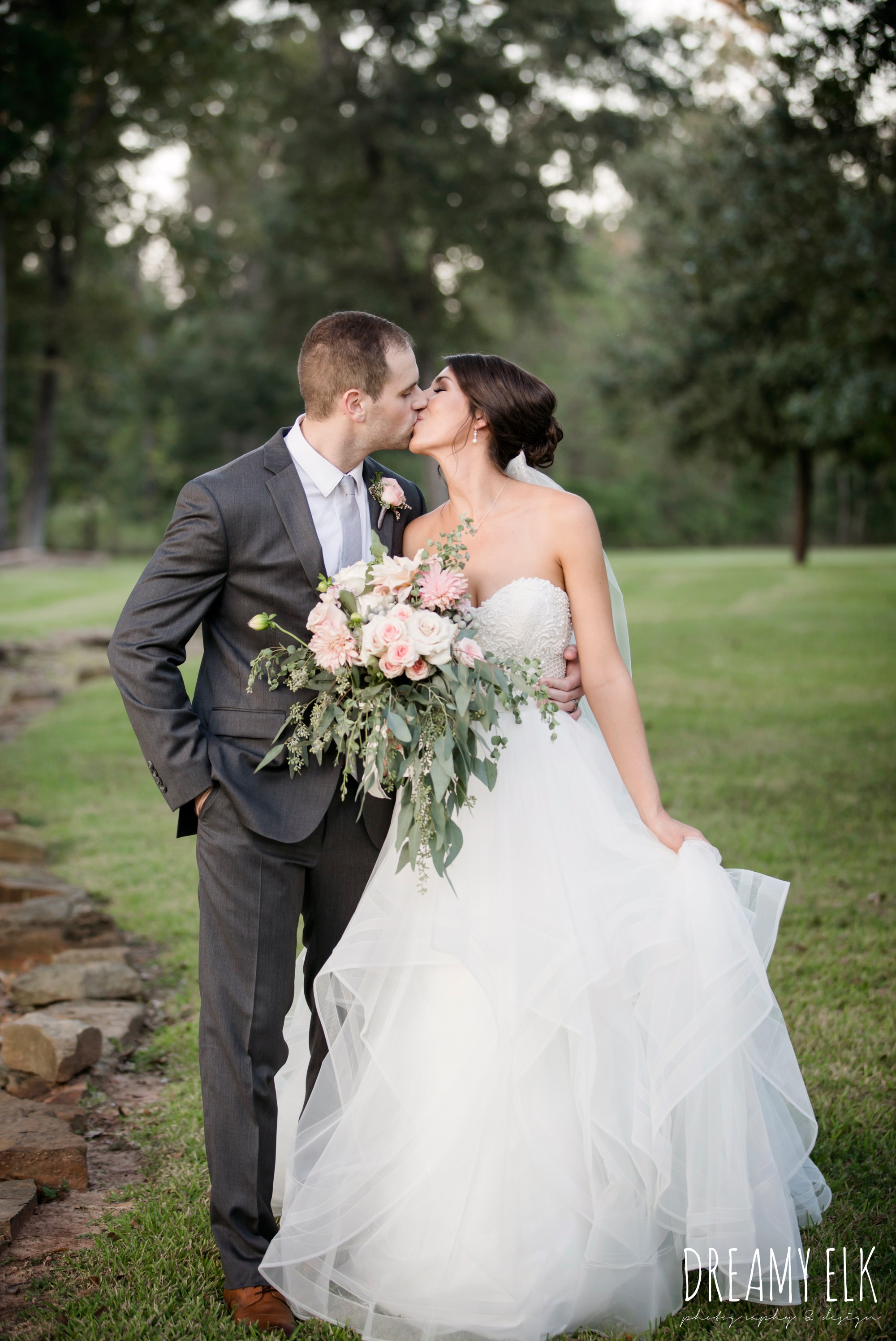 outdoor fall october wedding photo, blush and gray wedding, balmorhea weddings and events, dreamy elk photography and design, austin texas wedding photographer