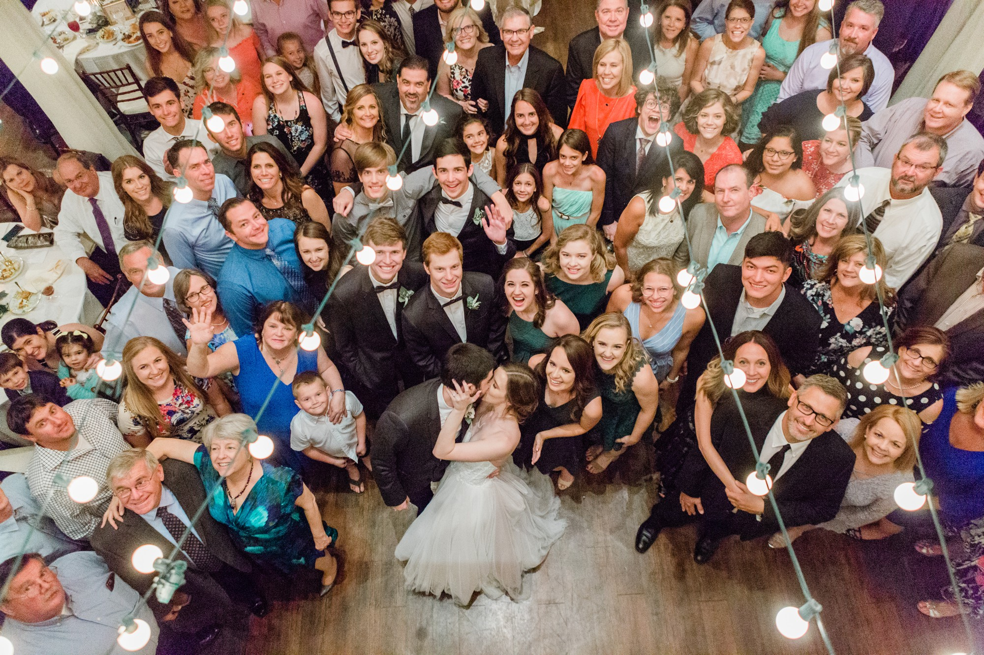 large group photo on the dance floor, photo with all wedding guests, poison ivy floral design, spring wedding photo, the gallery, houston, texas, dreamy elk photography and design