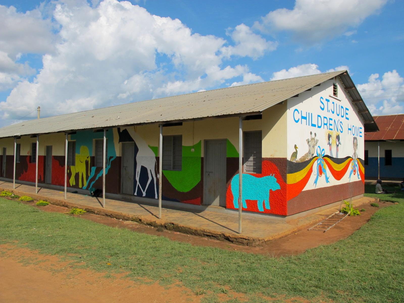 Lacey&LaylaArt- Uganda school 1..JPG