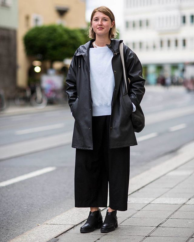 On the streets of Innsbruck with Jana 📸📸📸 #fashionblogger_at #citycatwalkofficial #blogger #fashionblog #fashion #instafashion #innsbruck #innsbrooklyn #streetstyle #streetstylefashion #austrianstreetstyle #ldnfashion #ldnfashiontrends #modeblogger