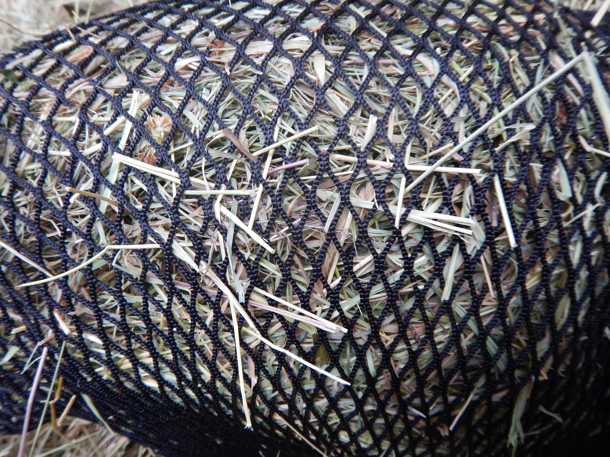 "0.5"" net with medium/coarse hay."