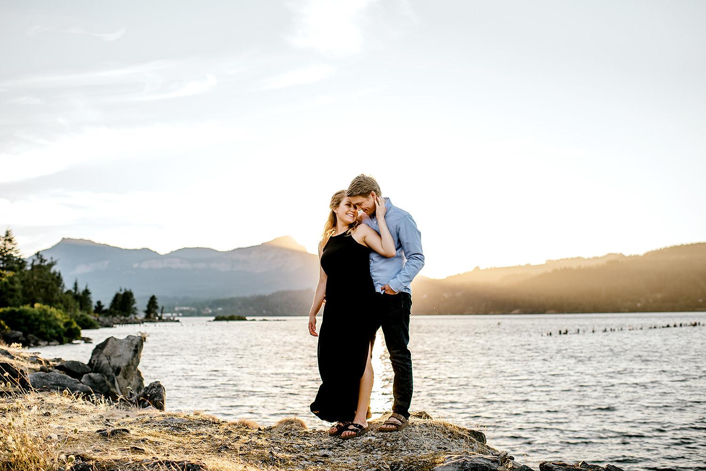 Portland_Oregon_Photographer_Latourell_Falls_Engagement037.jpg