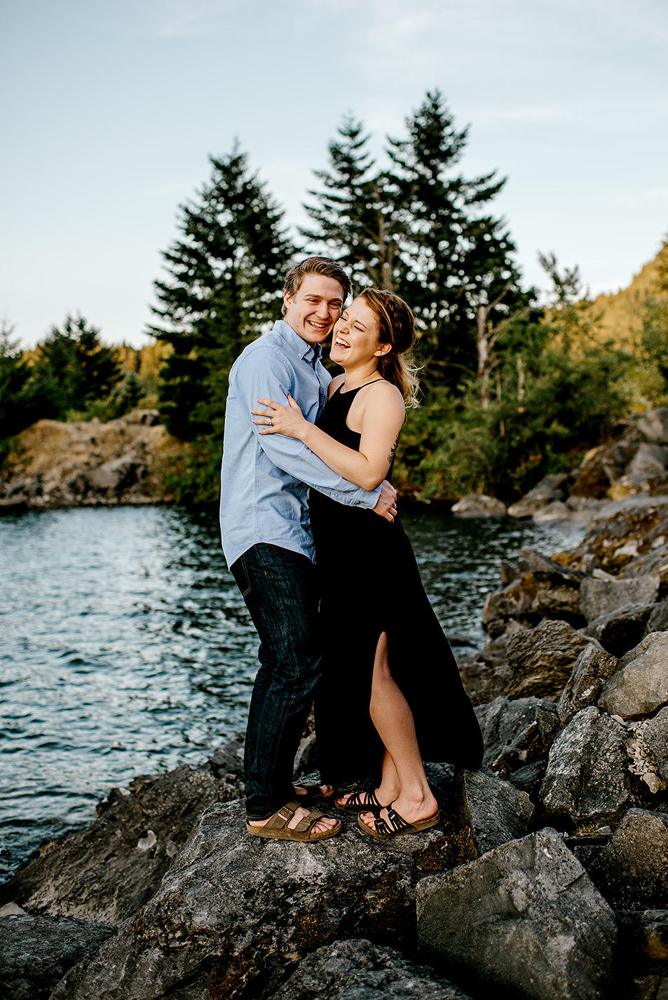Portland_Oregon_Photographer_Latourell_Falls_Engagement046.jpg