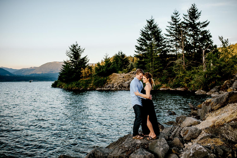 Portland_Oregon_Photographer_Latourell_Falls_Engagement047.jpg