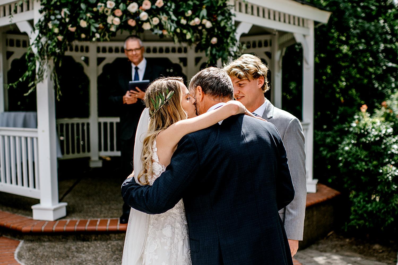 Portland-Oregon-Wedding-Photographer-Abernethy-Center-Wedding410.jpg