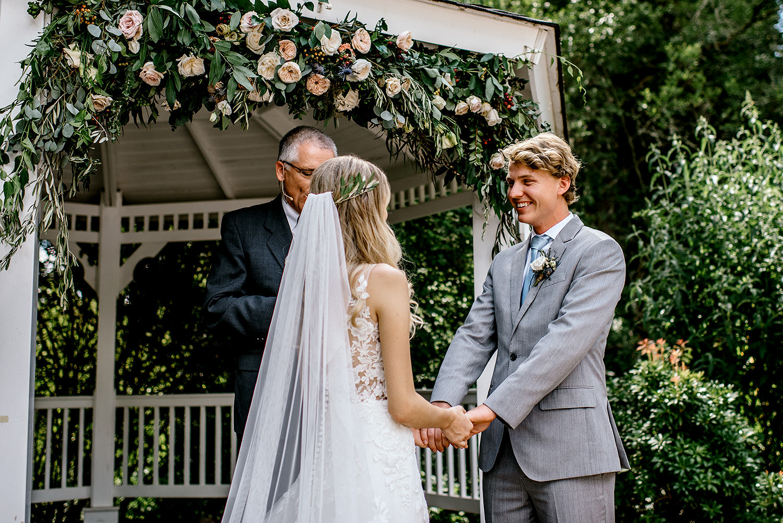 Portland-Oregon-Wedding-Photographer-Abernethy-Center-Wedding437.jpg