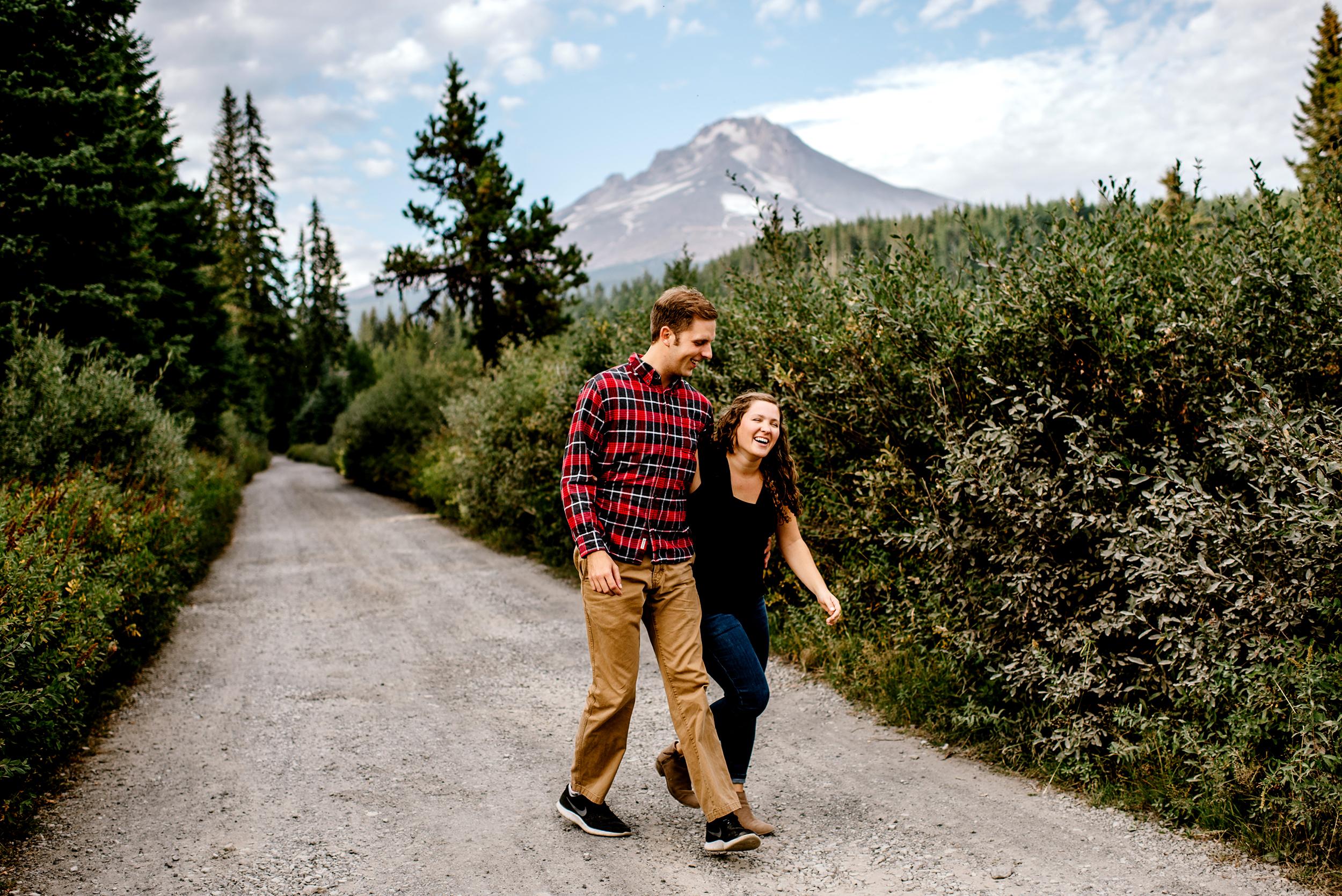 Trillium-lake-Engagement-Photos-Portland-wedding-photography089.jpg
