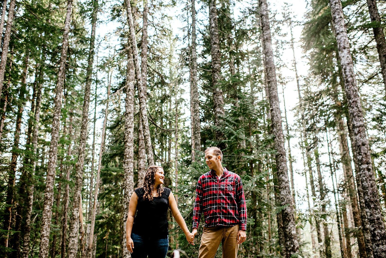 Trillium-lake-Engagement-session-Portland-wedding-photography013.jpg