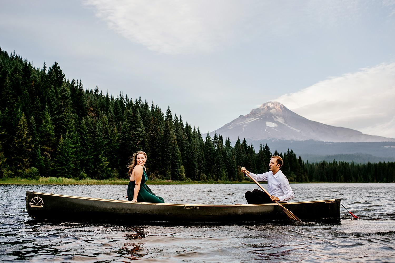 Trillium-lake-Engagement-session-Portland-wedding-photography191.jpg