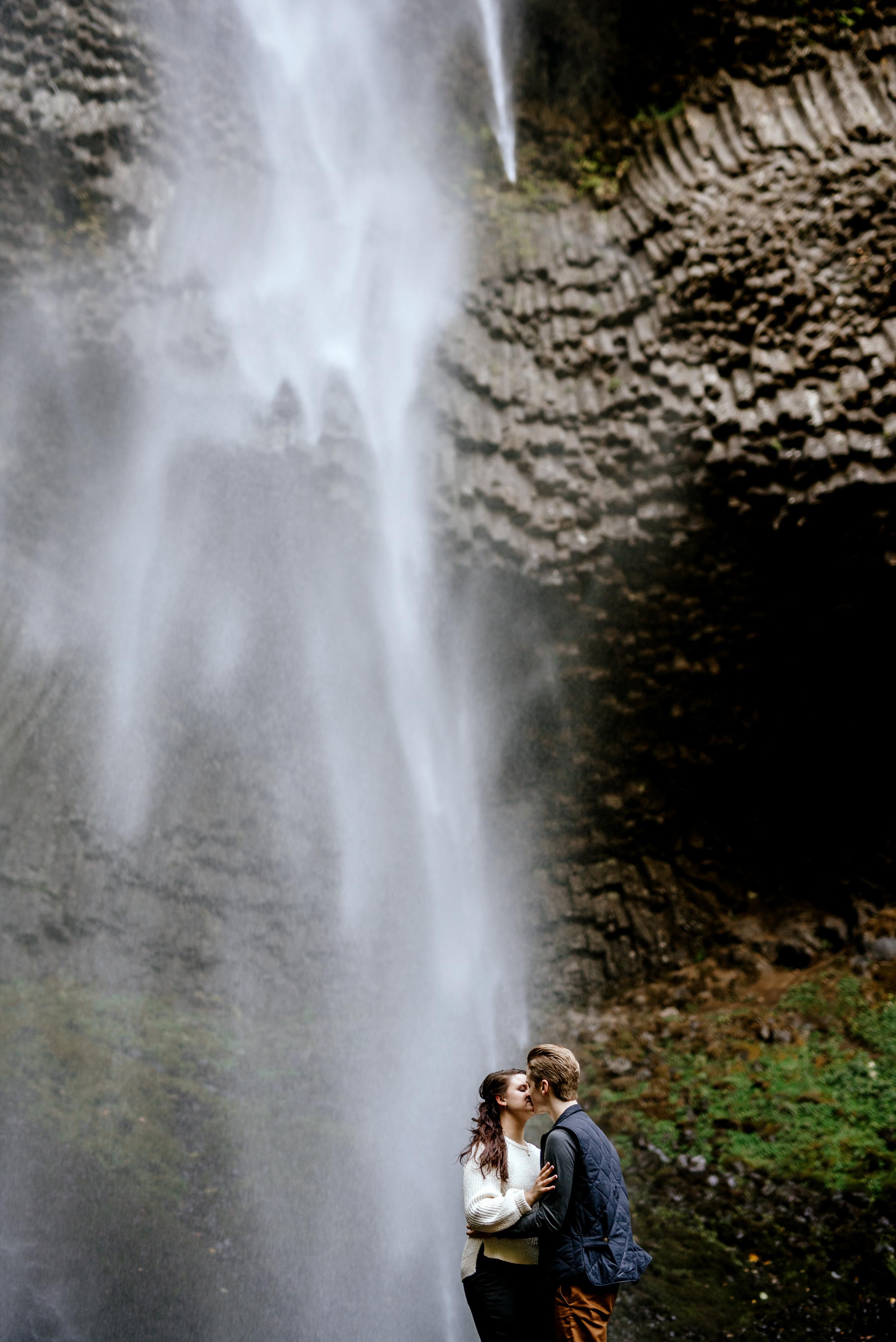 columbia-river-gorge-engagement-photos-Portland-Oregon-Photographer080.jpg
