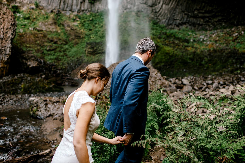 Columbia-River-Gorge-Elopement-Portland-Oregon-Wedding-Photographer-602.jpg