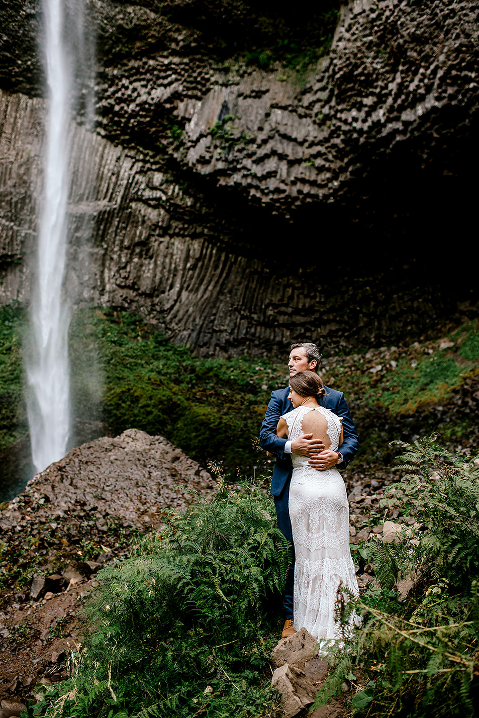 Columbia-River-Gorge-Elopement-Portland-Oregon-Wedding-Photographer-603.jpg