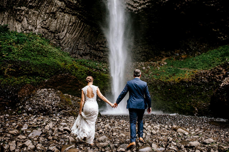 Columbia-River-Gorge-Elopement-Portland-Oregon-Wedding-Photographer-632.jpg