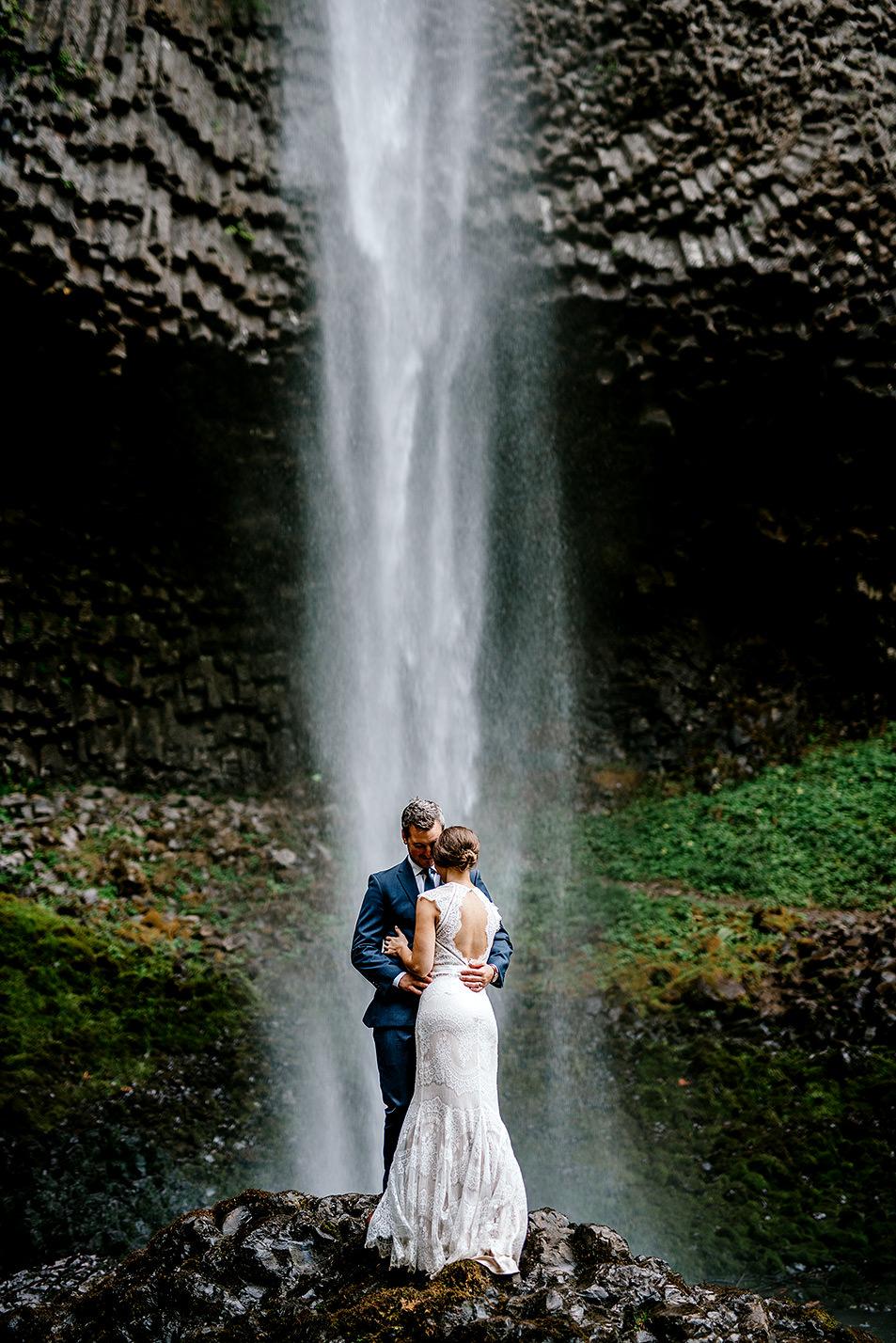 Columbia-River-Gorge-Elopement-Portland-Oregon-Wedding-Photographer-642.jpg