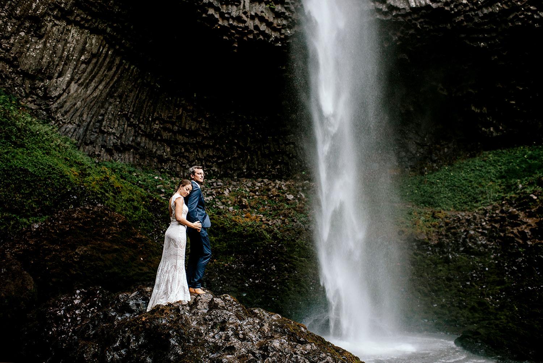 Columbia-River-Gorge-Elopement-Portland-Oregon-Wedding-Photographer-647.jpg