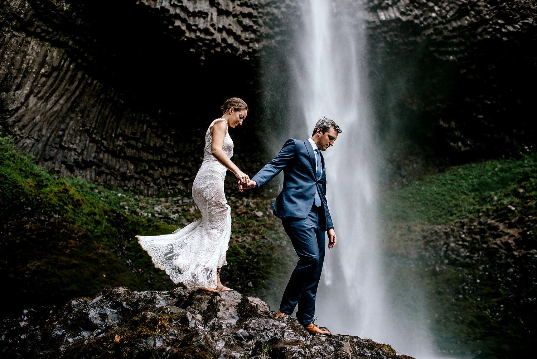 Columbia-River-Gorge-Elopement-Portland-Oregon-Wedding-Photographer-648.jpg