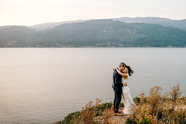 Columbia-River-Gorge-Elopement-Portland-Oregon-Wedding-Photographer-756.jpg