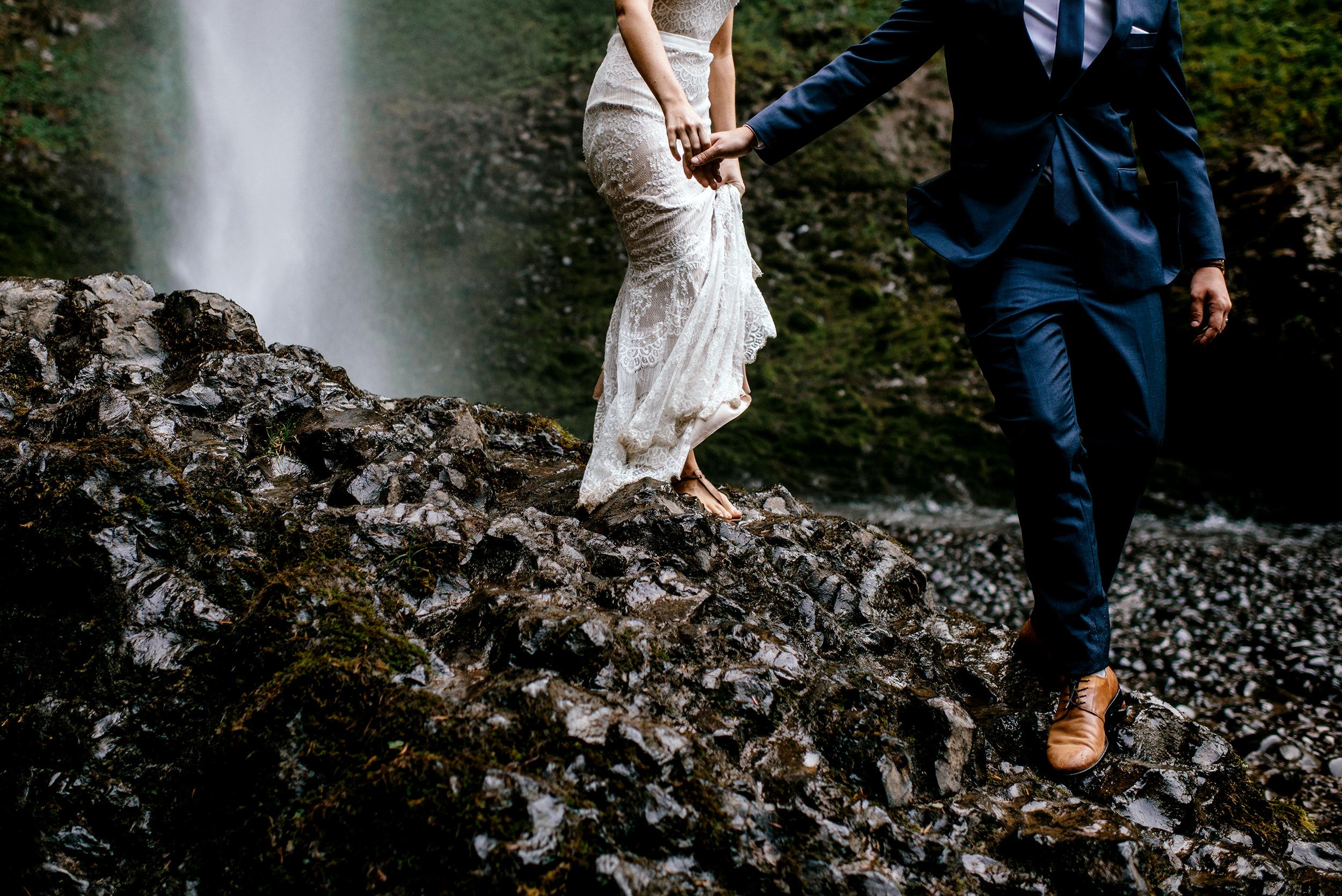 Columbia-River-Gorge-Elopement-Portland-Oregon-Wedding-Photographer-649.jpg