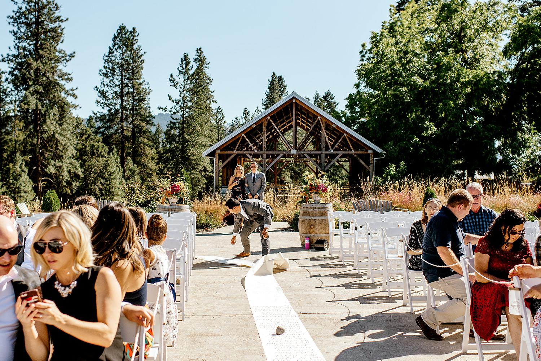 Tin-roof-Barn-wedding-Portland-Oregon-wedding-photographer-0323.jpg