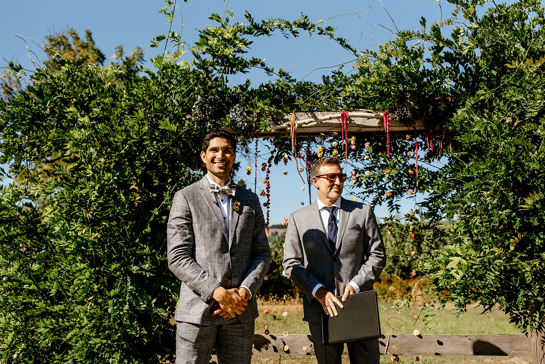 Tin-roof-Barn-wedding-Portland-Oregon-wedding-photographer-0333.jpg