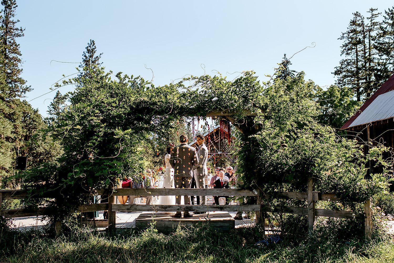 Tin-roof-Barn-wedding-Portland-Oregon-wedding-photographer-0393.jpg