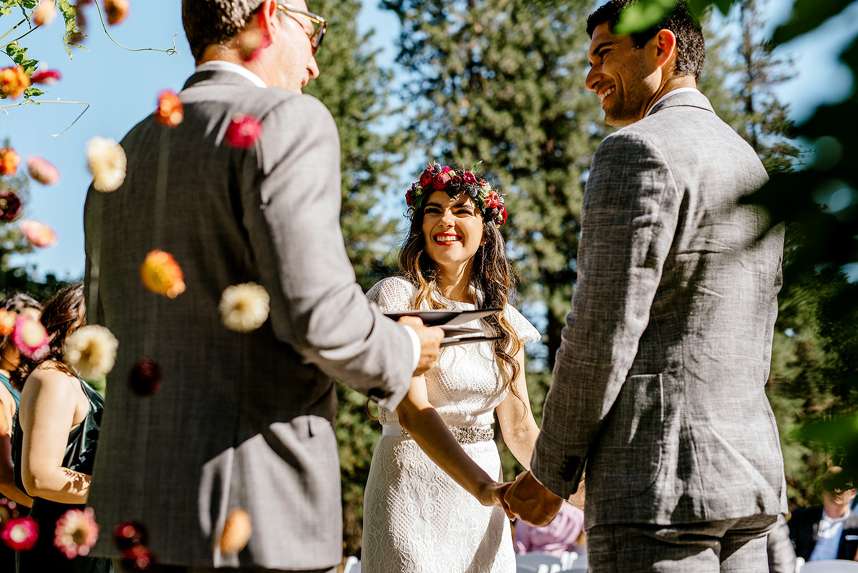 Tin-roof-Barn-wedding-Portland-Oregon-wedding-photographer-0409.jpg