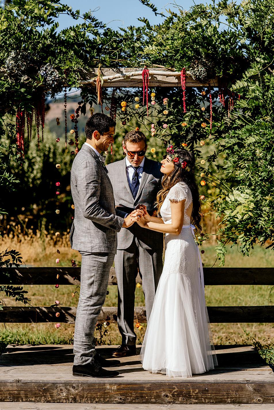 Tin-roof-Barn-wedding-Portland-Oregon-wedding-photographer-0413.jpg