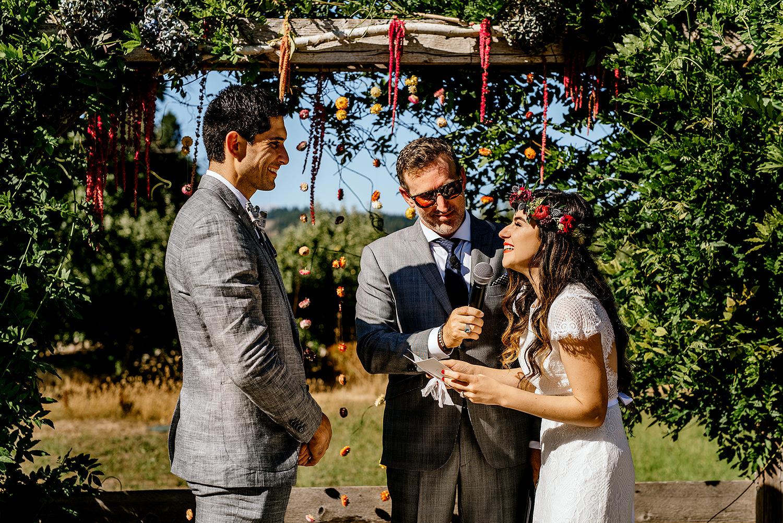 Tin-roof-Barn-wedding-Portland-Oregon-wedding-photographer-0423.jpg