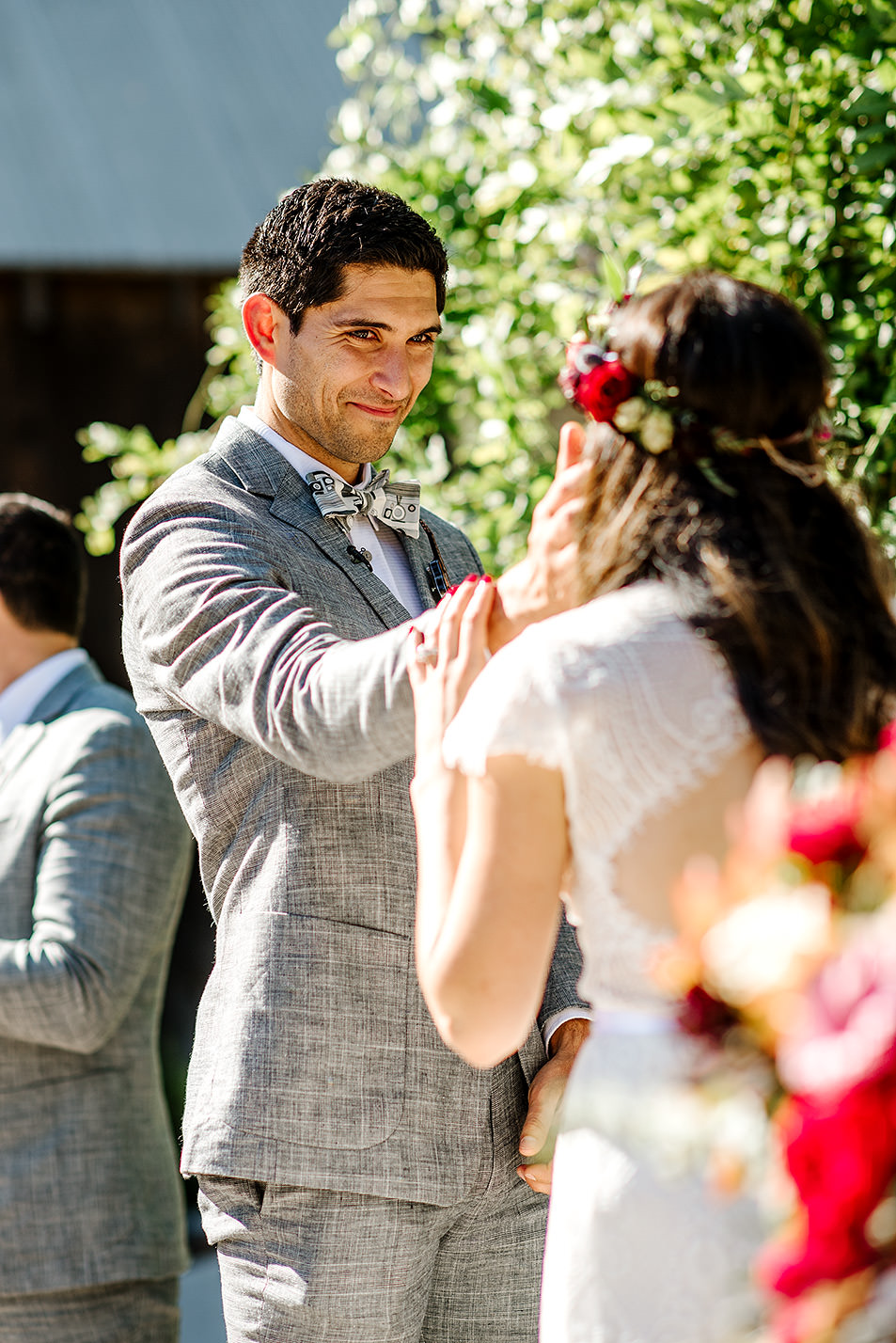 Tin-roof-Barn-wedding-Portland-Oregon-wedding-photographer-0429.jpg