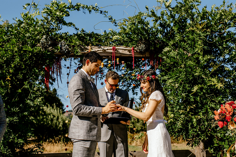 Tin-roof-Barn-wedding-Portland-Oregon-wedding-photographer-0437.jpg