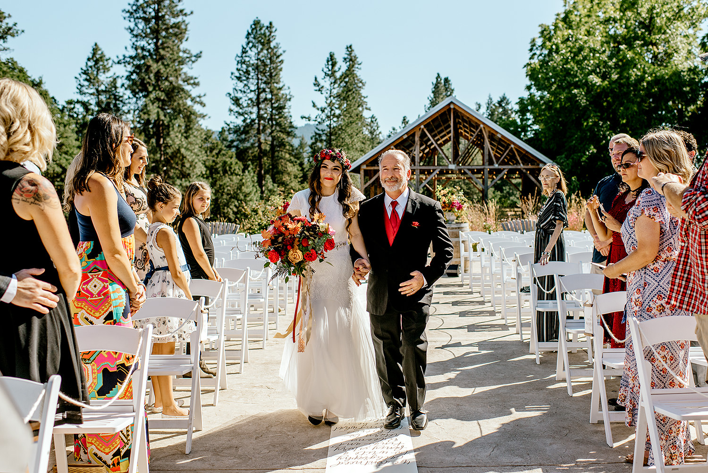 Tin-roof-Barn-wedding-Portland-Oregon-wedding-photographer-0370.jpg