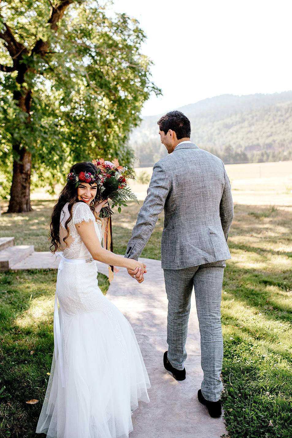 Tin-roof-Barn-wedding-Portland-Oregon-wedding-photographer-0465.jpg
