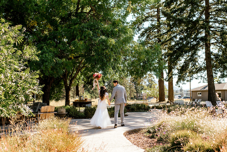 Tin-roof-Barn-wedding-Portland-Oregon-wedding-photographer-0463.jpg