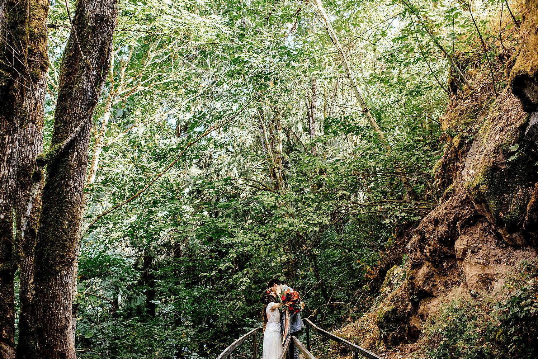Tin-roof-Barn-wedding-Portland-Oregon-wedding-photographer-0528.jpg