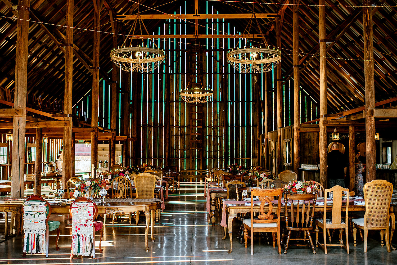 Tin-roof-Barn-wedding-Portland-Oregon-wedding-photographer-0692.jpg