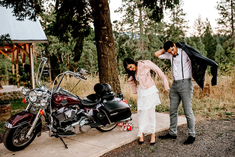 Tin-roof-Barn-wedding-Portland-Oregon-wedding-photographer-0975.jpg