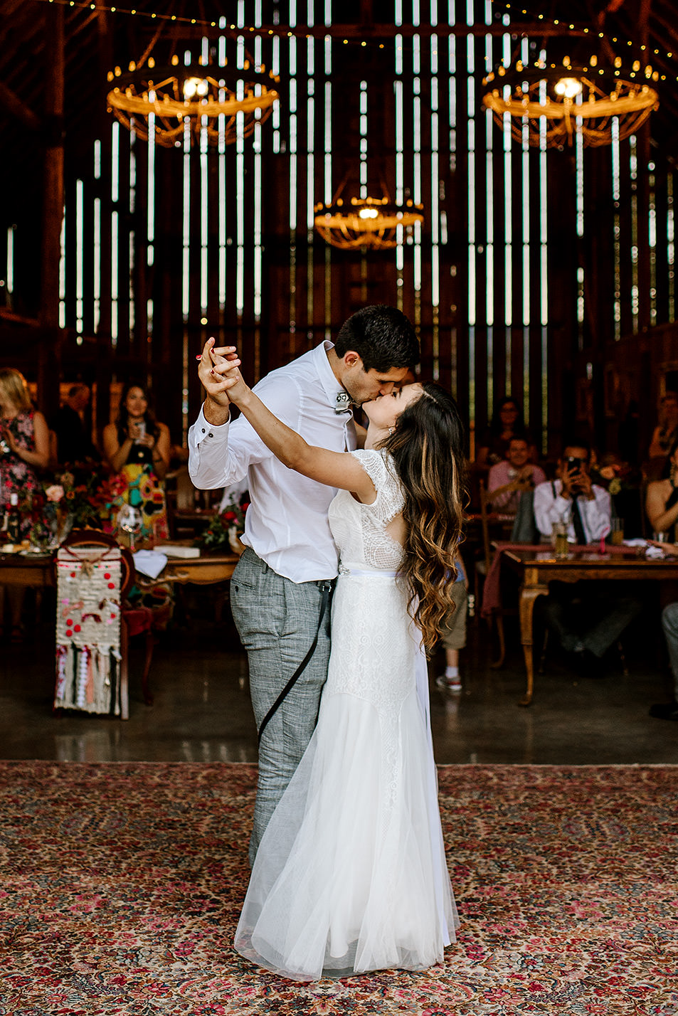 Tin-roof-Barn-wedding-Portland-Oregon-wedding-photographer-0923.jpg